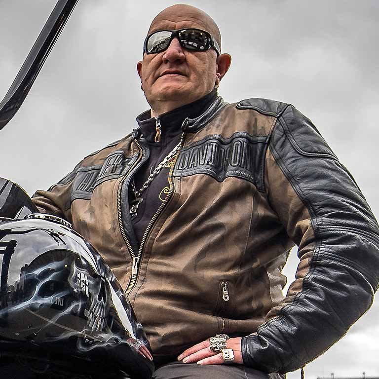 Eddy Kante ünterstützt Bikers for Children
